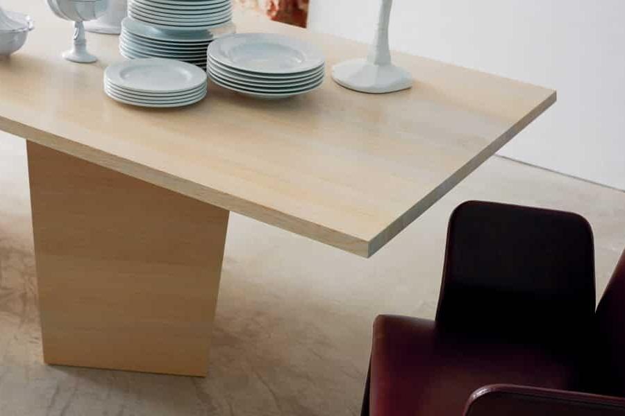 More Tisch Varan