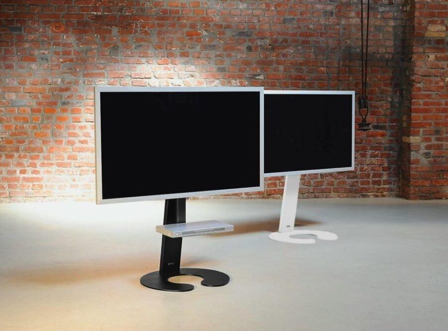 111-1_schwarz-weiss-TV-Standfuß-2