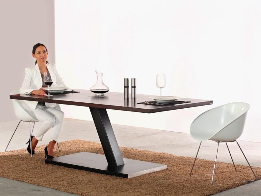 609-1-Designertisch-einbeinig-2