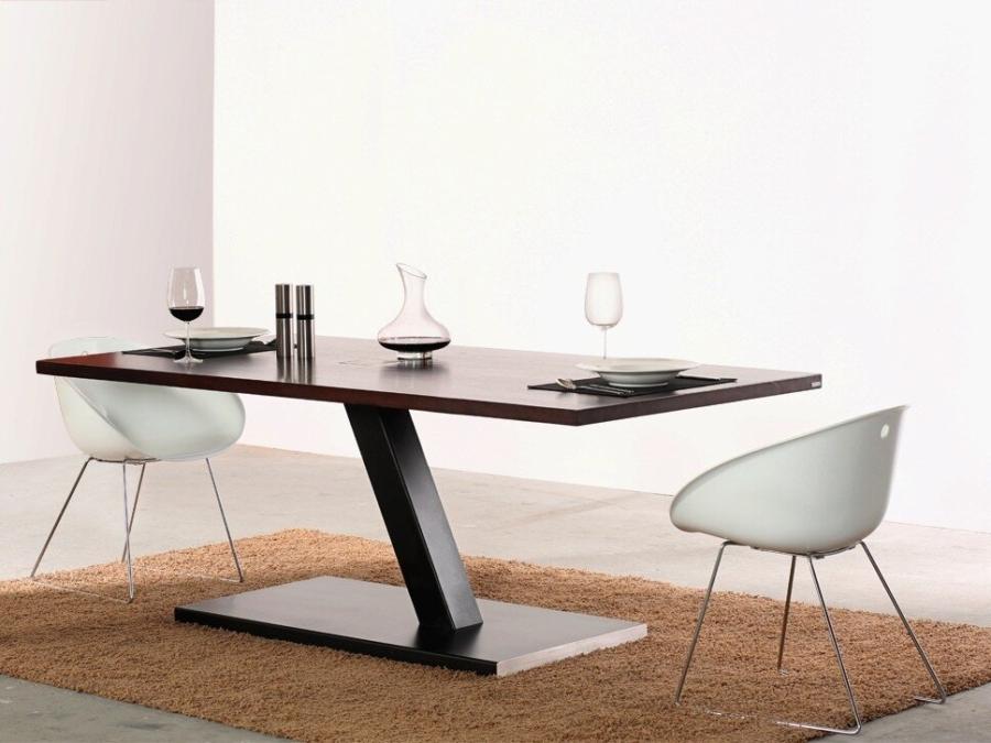 609-4-Designertisch-einbeinig-2